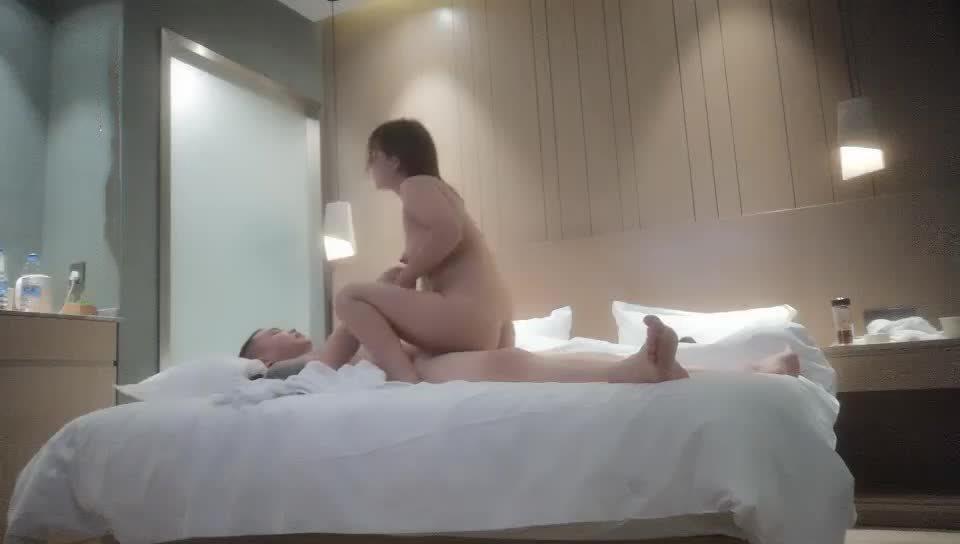 主播探花K探花约操广场舞少妇编号02398
