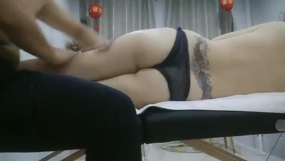 主播探花女子私密SPA美白翘臀少妇做全套编号02851