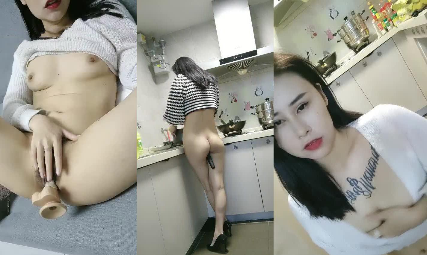 主播探花金牌初音直播实录假鸡巴插入淫水直流编号03715